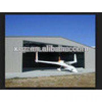 Slope roof steel aircraft hangar building