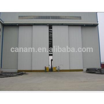 Light structure large size aircraft hangar door